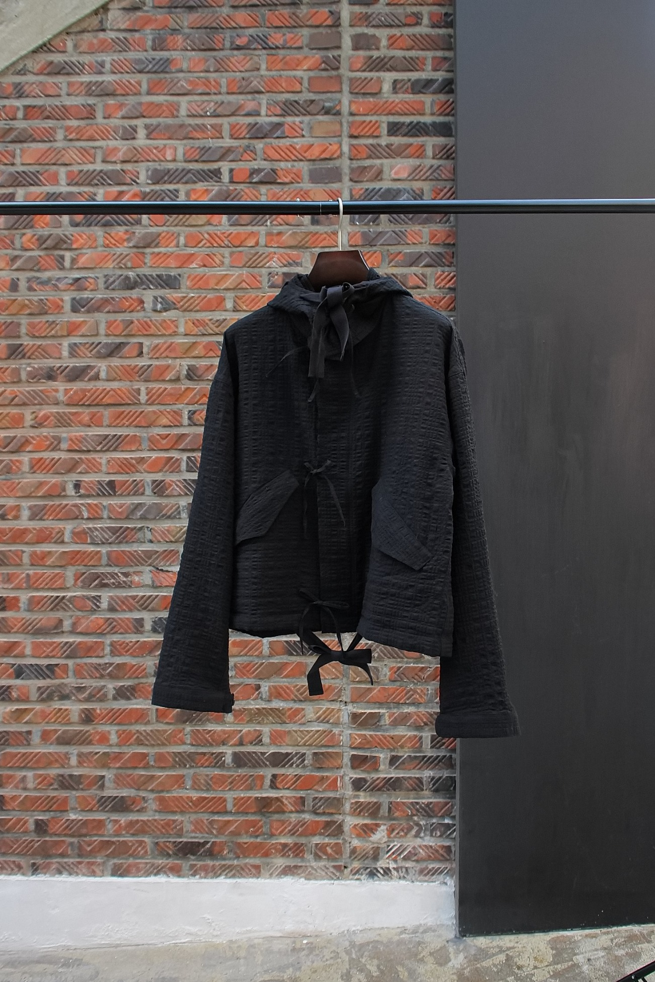 [s.k. manor hill] Chopped Fish Jacket - Black Puckered