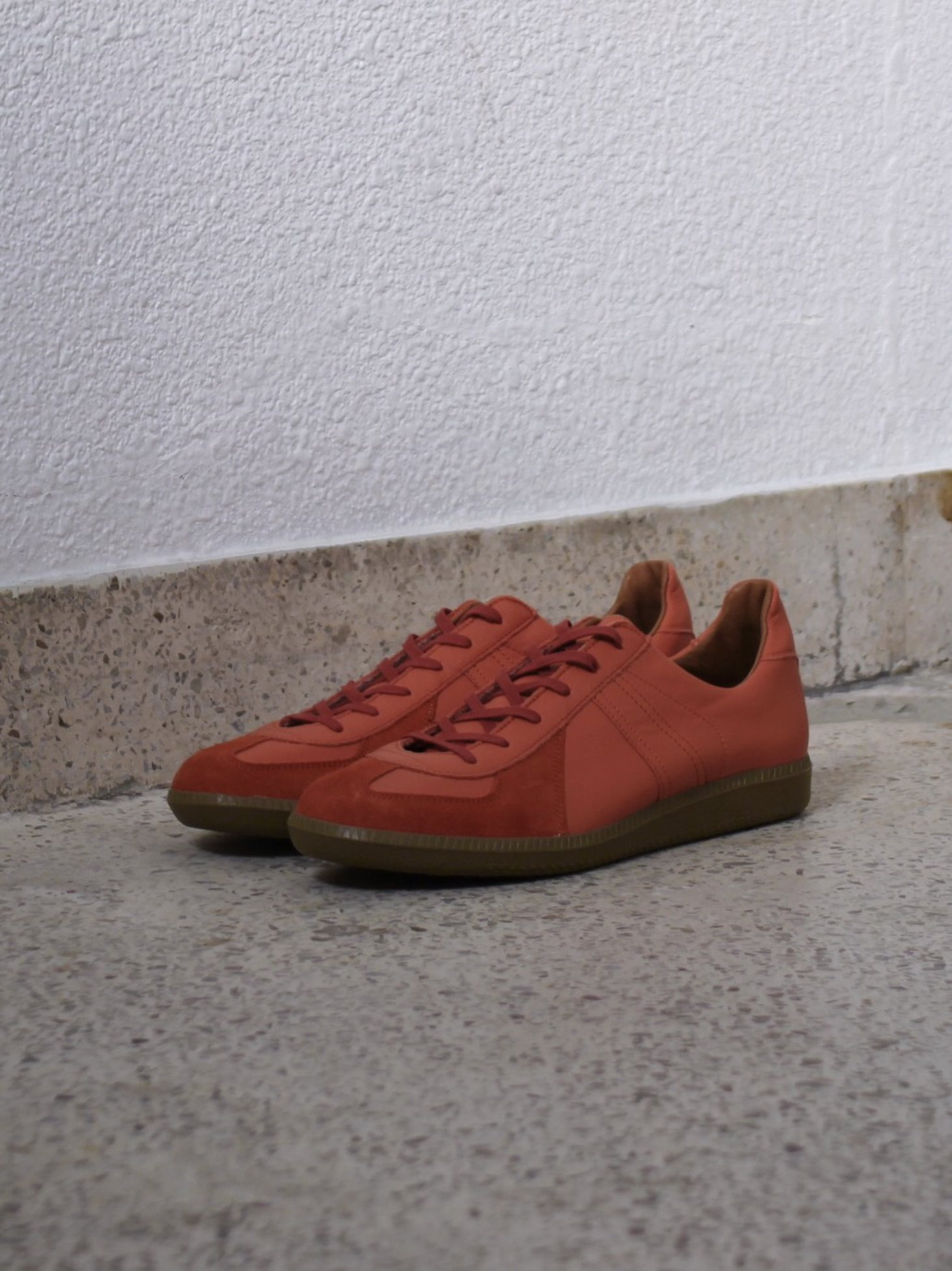 [Reproduction of Found] German Military Trainer 1700L - Coral