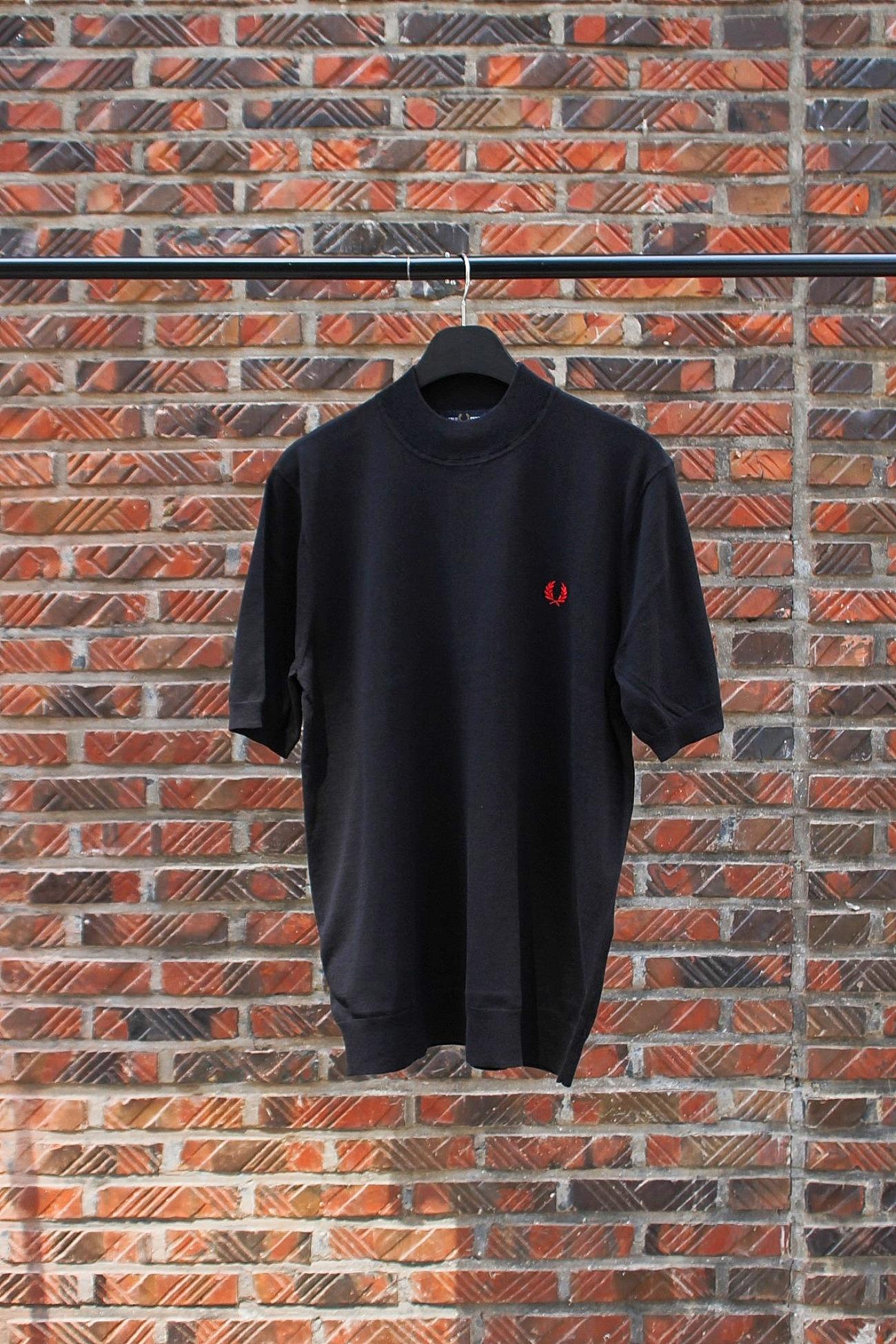 [FRED PERRY] Knitted Turtleneck T-Shirt - Black